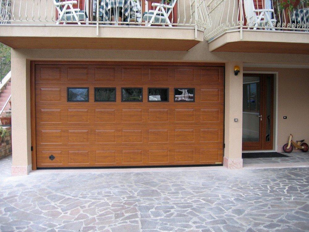 Portoni garage sicurezza eleganza e funzionalit for Breda portoni