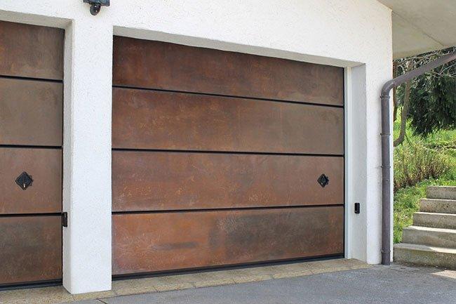 Portoni garage sicurezza eleganza e funzionalit - Portoni garage con finestre ...